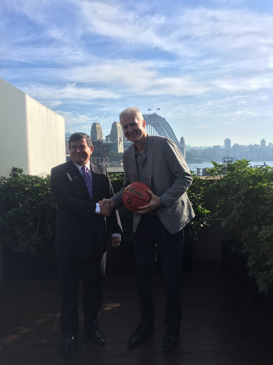 Our New Head Coach Andrew Gaze! We couldn't be more excited! https://t.co/rGVfi0bvvp