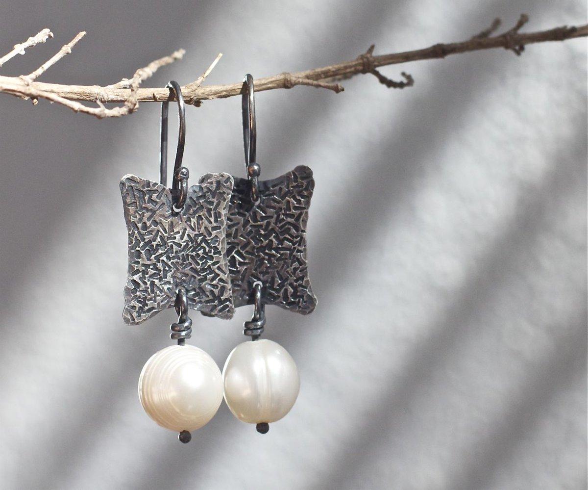 Hammered earrings Sterling silver Silver earrings Silver jewelry Pearl earrings Sterling earrings Metalwork earrings Modern earrings Rustic