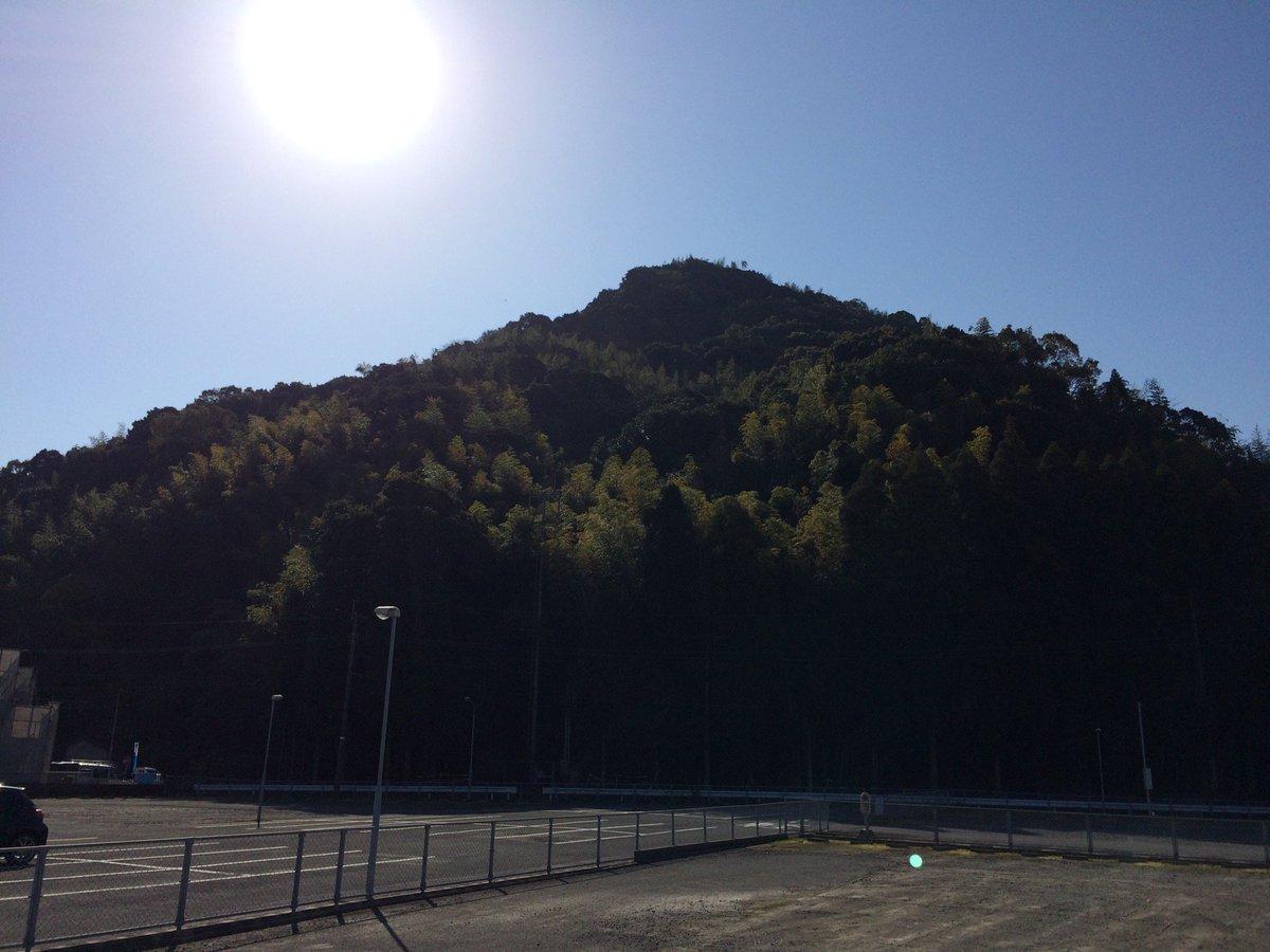 皆様おはようございます\(^o^)/ 朝日〜☀️ 寒いけどいいお天気の1日になりそうです♪ (@ 見晴らしの良い秘密基地part3) https://t.co/S8SM9PcEwG https://t.co/T5jaA5xuge