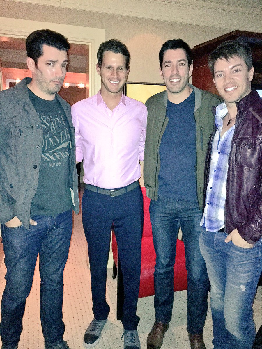 Drew scott on twitter good times with danieltosh for How tall are the property brothers
