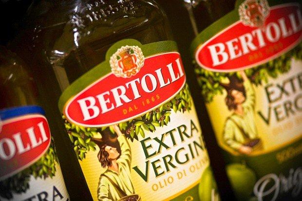 Olio di oliva Extra Vergine Carapelli e Bertolli richiamati per tracce di pesticidi