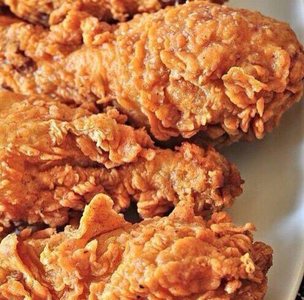 Crispy Fried Chicken. https://t.co/EOMbT1ucZA