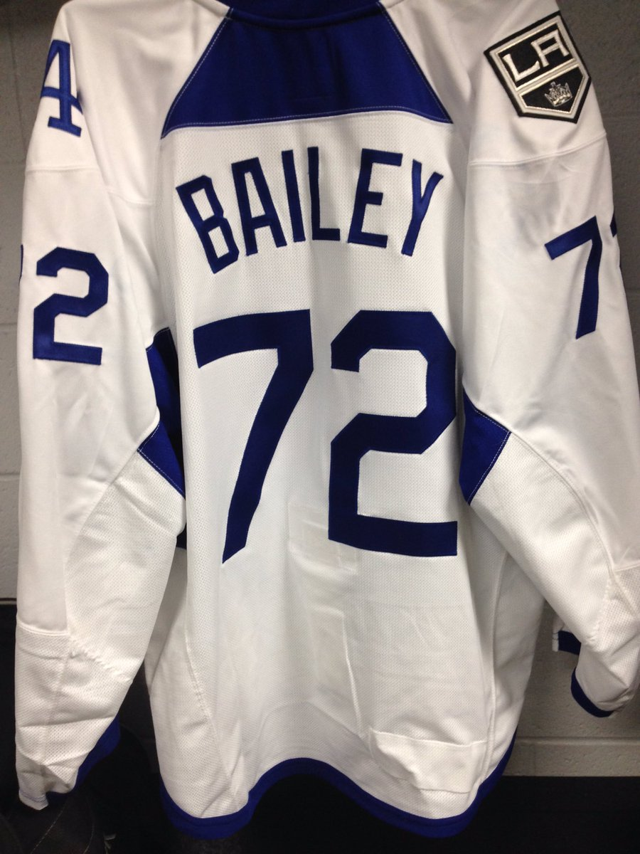 Special warm-up jerseys tonight for  Dodgers Pride Night. Get a head start  on bidding    http   lakings.com auctions pic.twitter.com zn3EUw3Sb6 93fa7fc98ff