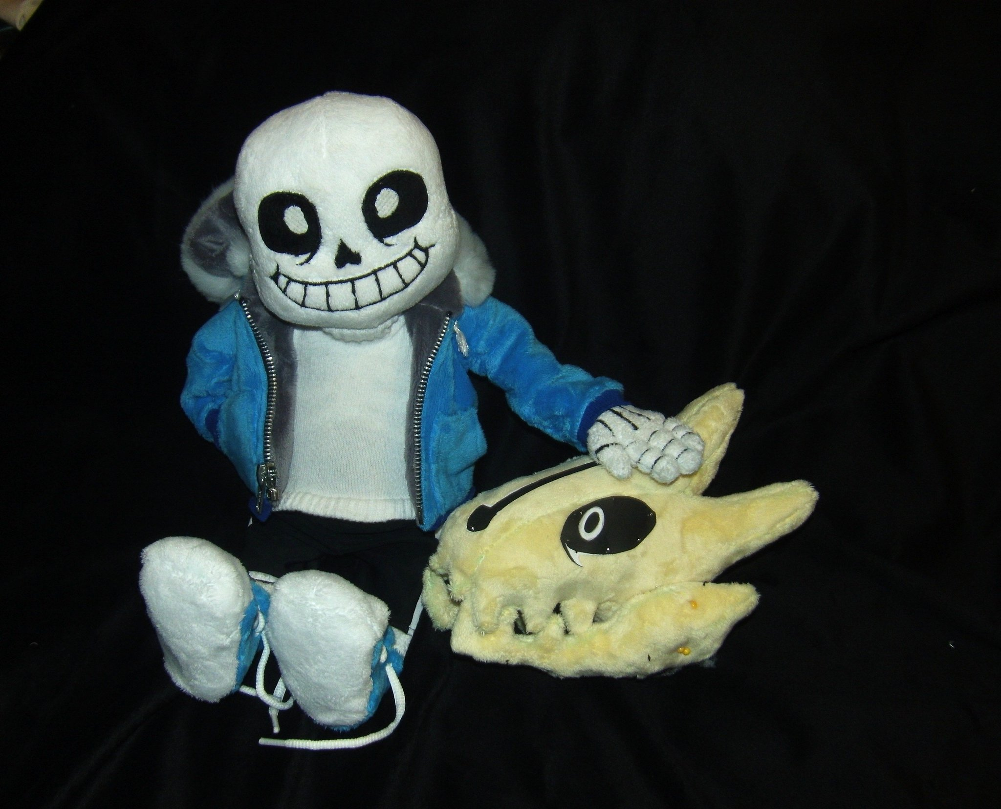 """️Ash ️ on Twitter: """"WIP On my @UnderTale Gaster Blaster ... Invader Zim Characters"""