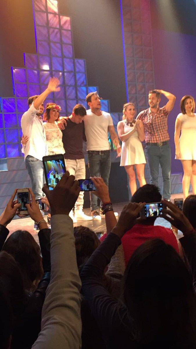 Humildad del mejor del mundo #LeoMessi en el escenario de @ElOtroLadoOk tras 2 horas de risa Gracias @vazqueznico ! https://t.co/m5TqbxbQZ4