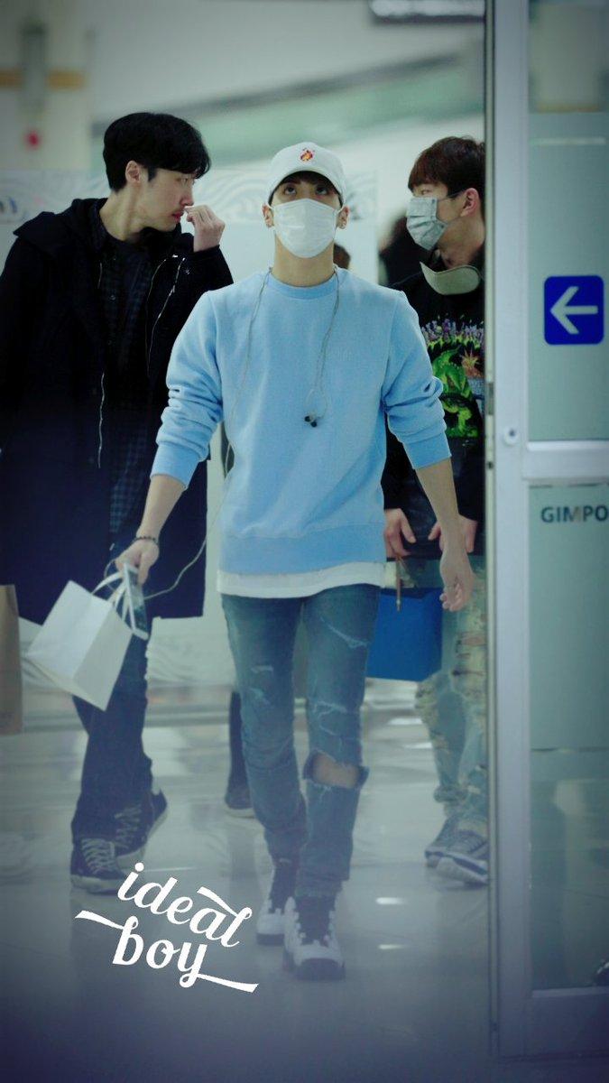 160327 Jonghyun @ Aeropuertos Haneda - Gimpo {Regreso a Corea} Cehbz20WAAEk228