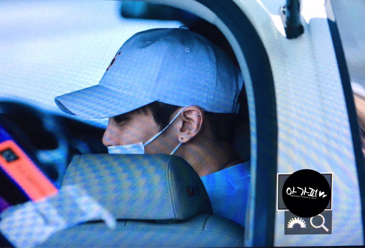 160327 Jonghyun @ Aeropuertos Haneda - Gimpo {Regreso a Corea} Cehc4OSXEAApbTz