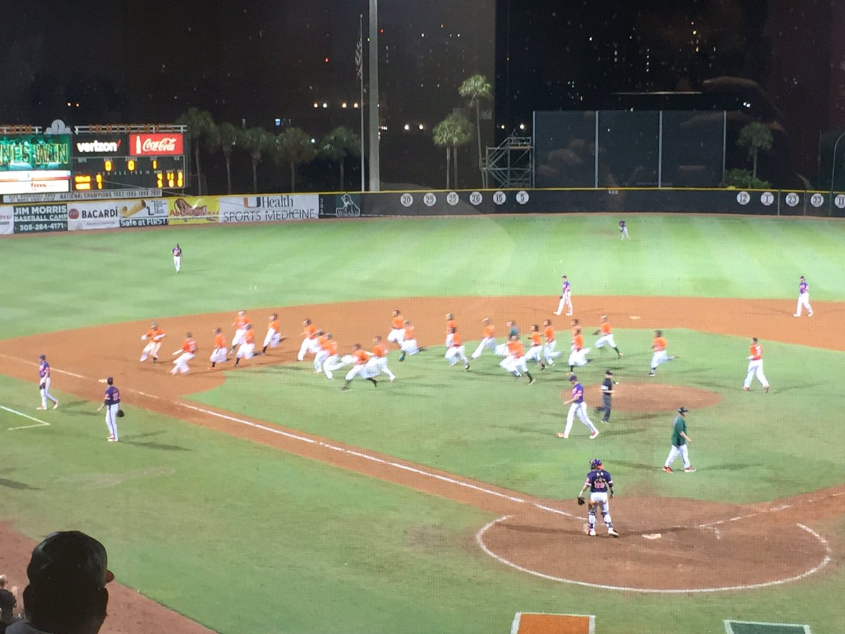Walk it off, @CanesBaseball, walk it off. Again. That's ONE THOUSAND wins at #TheU for @Coach3morris. https://t.co/6s4DAmOAu8