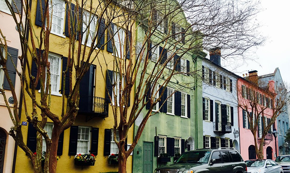 Good morning #Charleston!  A clear view of #RainbowRow to brighten up your Easter Sunday!  (