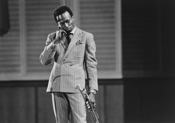 #Jazz A box set of Miles Davis' 10-inch LPs for Prestige Records is due for release in May https://t.co/XZ3lUqdkV3 https://t.co/oMTOwnd0c0