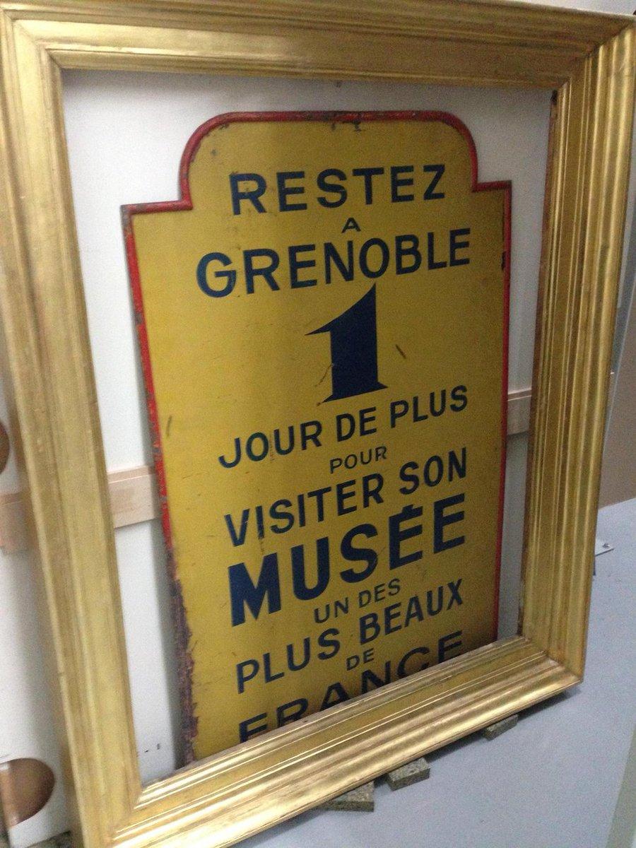 Aperçu dans les réserves du @museedegrenoble. Et si on le raccrochait à l'entrée du musée ?!? #SecretsMW https://t.co/VawMnDZ1Nt