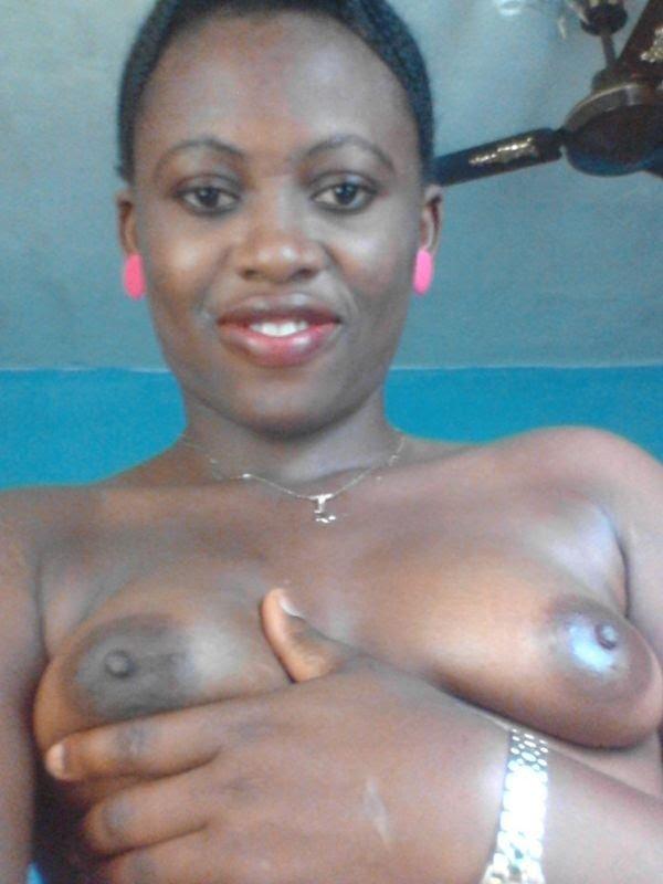 Nude Selfie 4363