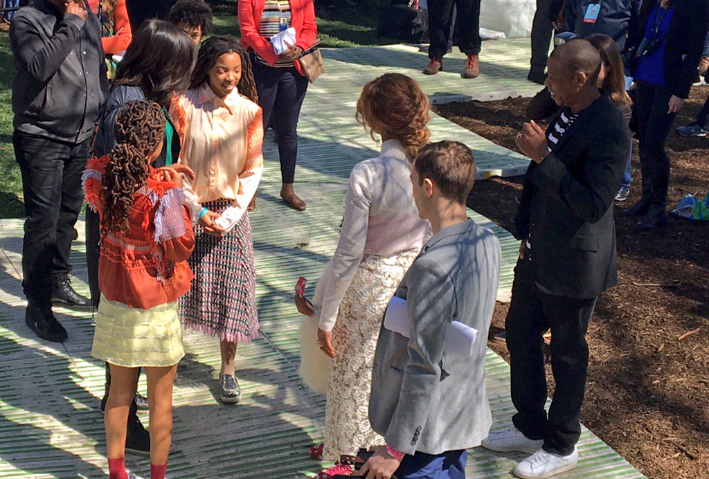 Then @Beyonce and Jay-Z and @FLOTUS and Blue Ivy showed up to cheer on @chloeandhalle #LetsCelebrate @WhiteHouse https://t.co/d3mGx1huC0