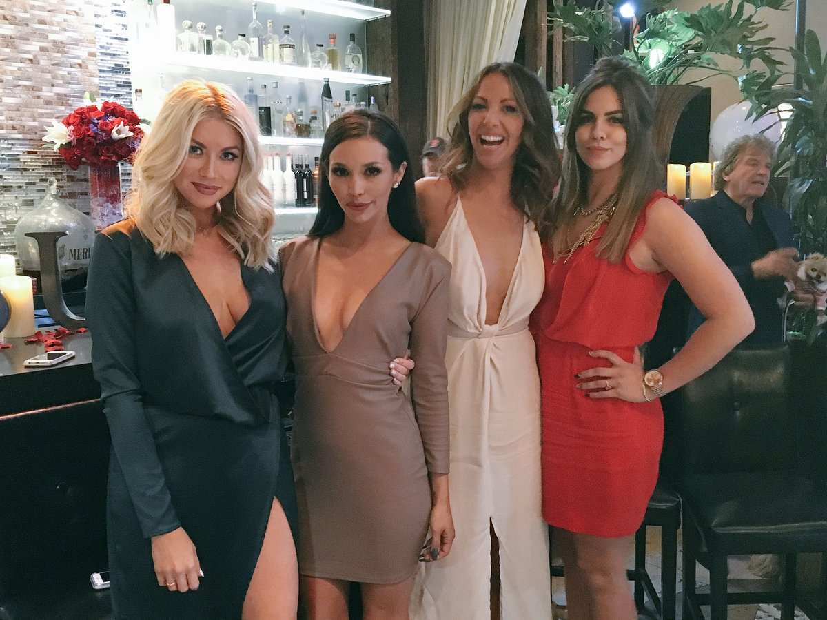 @stassischroeder joins the #WolfPack tonight! #PumpRules Reunion part ✌