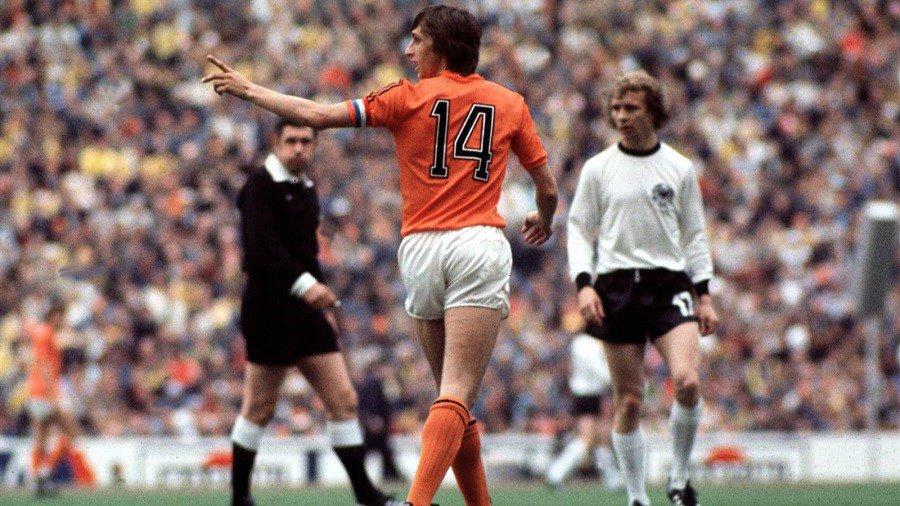 La storia di Johan Cruijff, il profeta del gol