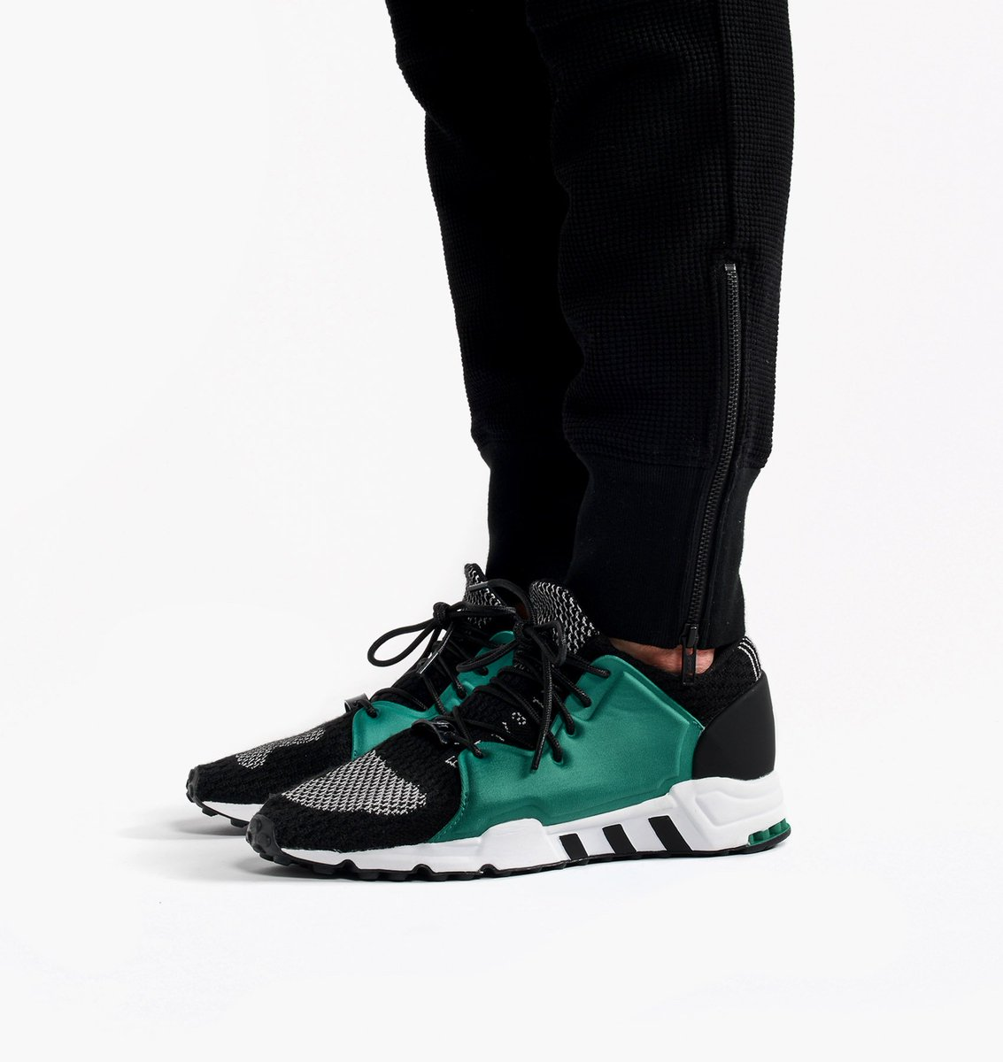 Adidas alertas en Twitter: