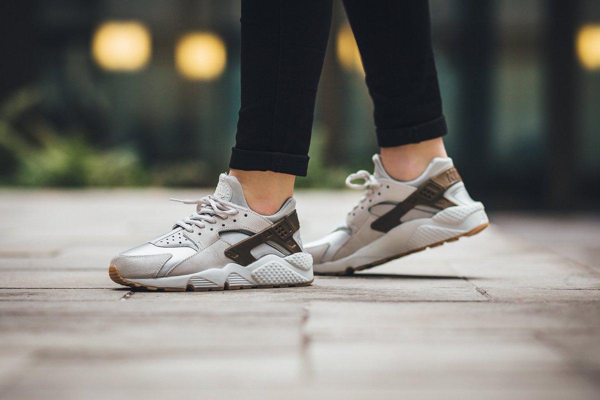 Nike Air Huarache Run Premium Suede (Womens) Gamma GreyPhantom