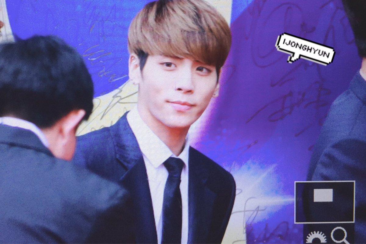 160329 Jonghyun @ '2016 KU Asia Music Awards' CetcpW0W8AAFgNv