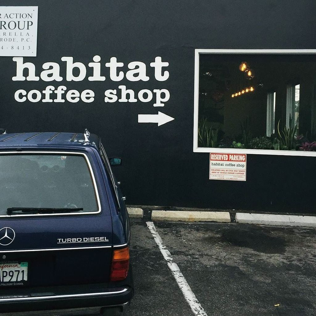 I seriously love our little nabe #glassellpark ...annnnnd @habitatcoffeela [annnnnnd donut… https://t.co/zgGKA2FSdP https://t.co/pXzdFYiwK4