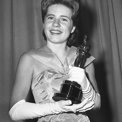 Patty Duke, one of the youngest Oscar winners ever, has died at age 69. #RIP #PattyDuke https://t.co/qrdvbP0qCd