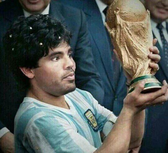 Partidos en la selección de @Argentina para llegar a 2 goles:  4   MERCADO 8   Messi 10   Maradona  https://t.co/wAAh0ORUyc