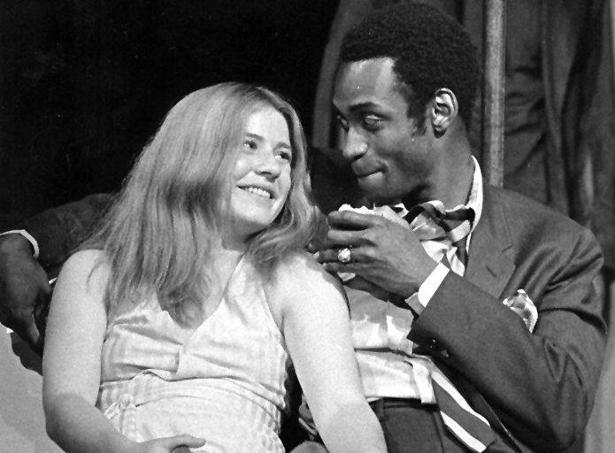 One of our favorite pictures of #PattyDuke: with Cleavon Little in our 1969 production of DUTCHMAN. https://t.co/pBkjxgIAyp