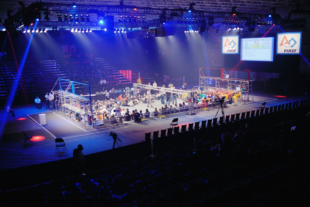 Proud to support the next generation of innovators at the FIRST Robotics Competition. @FIRST_Qc #omgrobots https://t.co/egyIQIgUHh