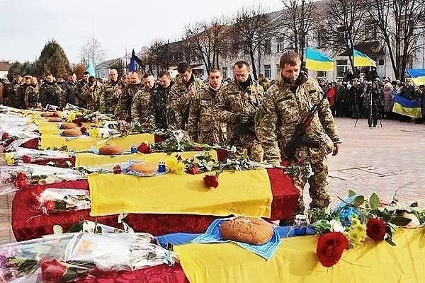 Порошенко должен рассмотреть законность предоставления Новинскому гражданства Украины - Цензор.НЕТ 142