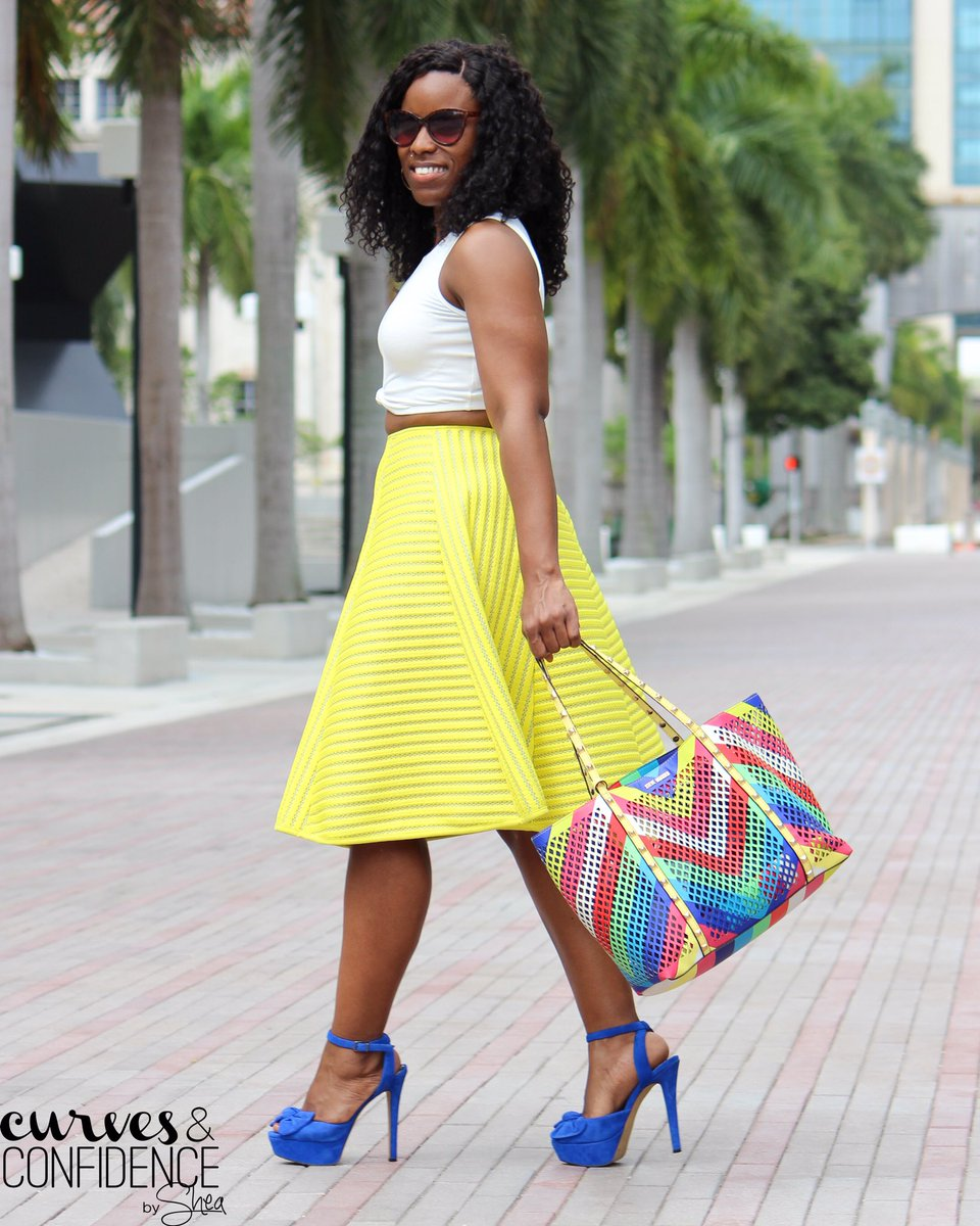 New blog post! Weekend Wear: Neon Color Pop! https://t.co/IX0plmzxEk @hmusa @SteveMadden @JSCollection @Forever21 https://t.co/7pRxAVxpgh