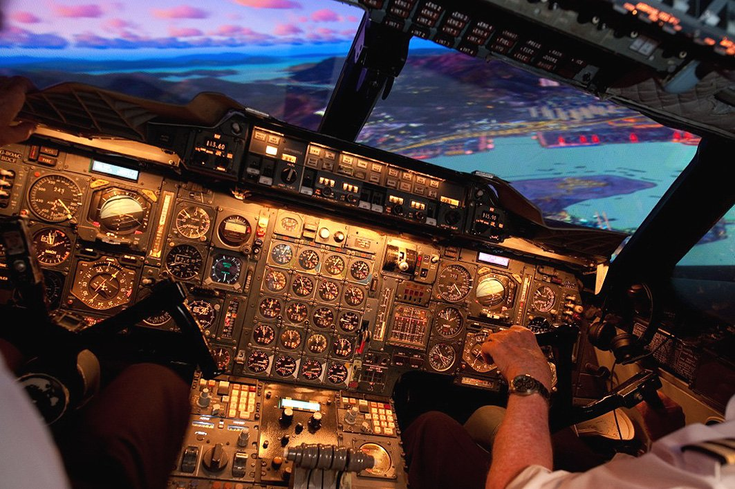 Want to win a flight on our Concorde Simulator? Check the competition @FlyPastMag is running https://t.co/ryqHWHEJ2J https://t.co/E6nvwLBViV