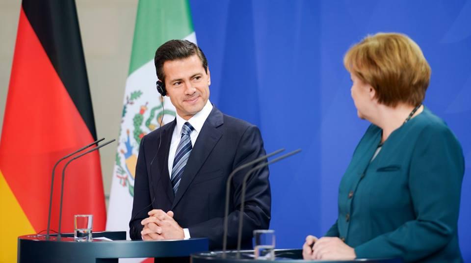 """Saul Torres Saul Tor on Twitter: """"@PresidenciaMX @EPN el parasito paseandose y sus sicaros destruyendo las viviendas de gente trabajadora"""""""