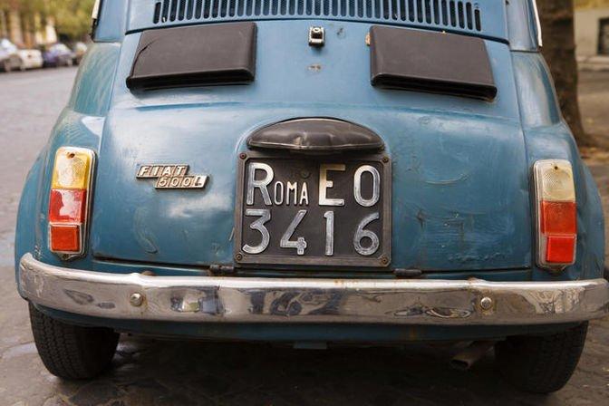 Report Replica: tutto sulla beffa della targa dell'auto