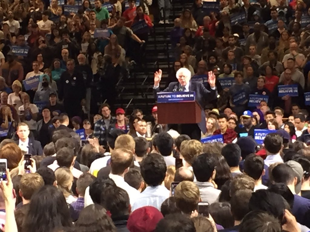 Presidential candidate Bernie Sanders speaking to packed house of supporters from around the region in McCann Ctr. https://t.co/CzXgZ1dgST