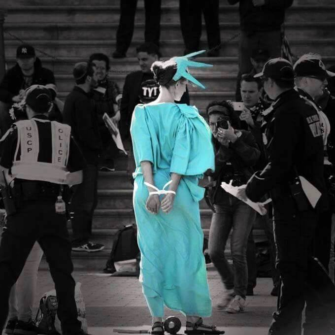 What the ballerina on bull was to @OccupyWallStNYC this iconic shot is to @DemSpring #DemocracySpring via @WolfPAChq https://t.co/sL5QAiBz8e