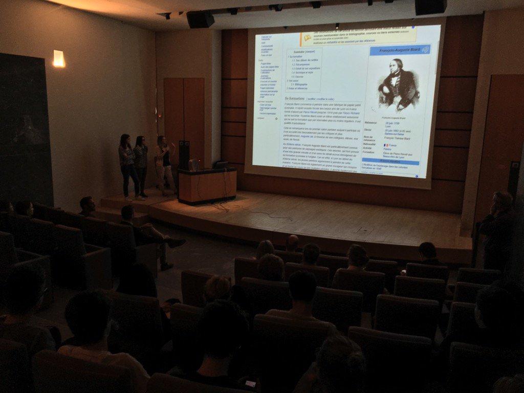 Des étudiants en licence de lettres modernes contribuent à wikipédia