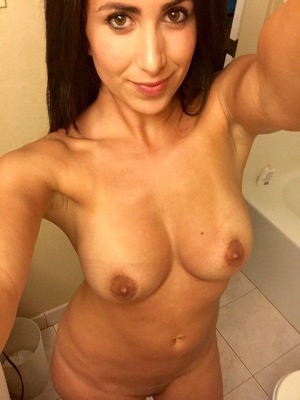 Nude Selfie 4837