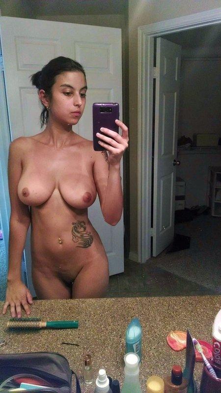 Nude Selfie 4844