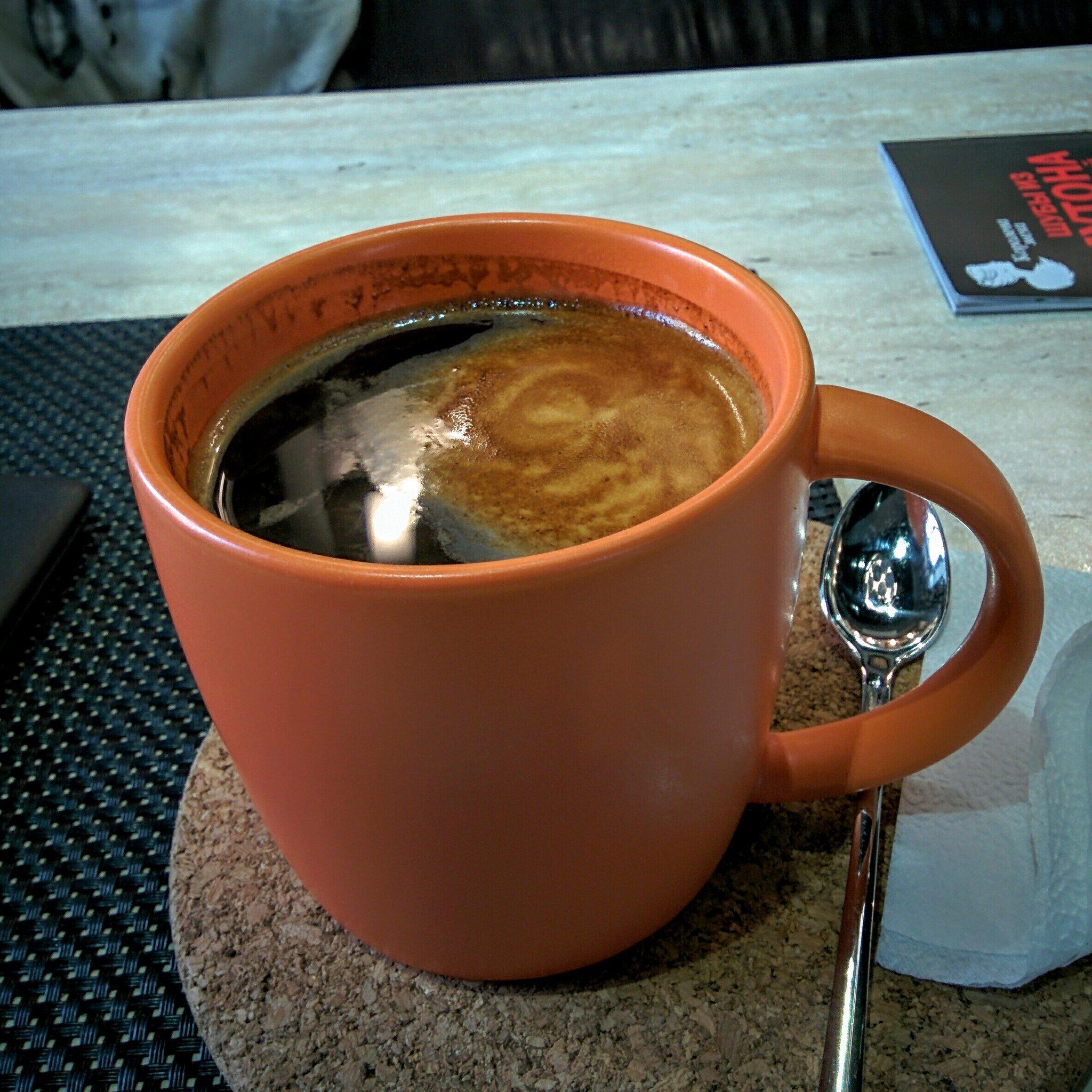 это картинка очень большая кружка кофе зависимости