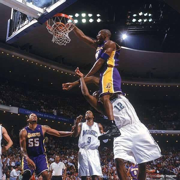 This gotta be the statue outside Staples. #MambaDay https://t.co/hVMzyQnVVp