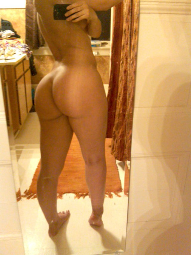 Nude Selfie 4884
