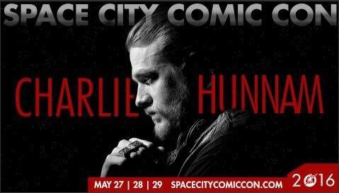 Wow, @ComicConHouston just out did itself! They've added Charlie Hunnam to its #SonsOfAnarchy reunion next month! https://t.co/KYH2Mkj8Kq
