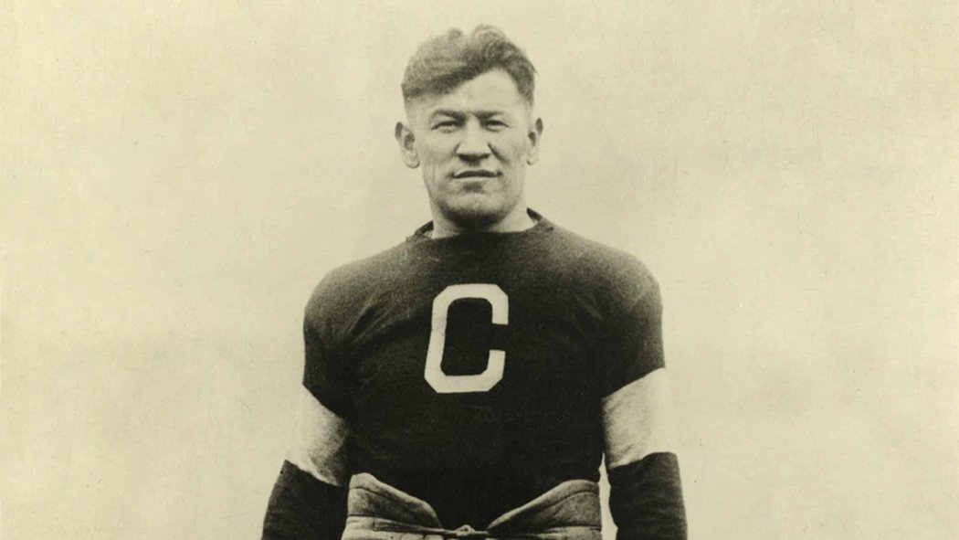 Jim Thorpe, campione olimpico e giocatore professionista di football e baseball