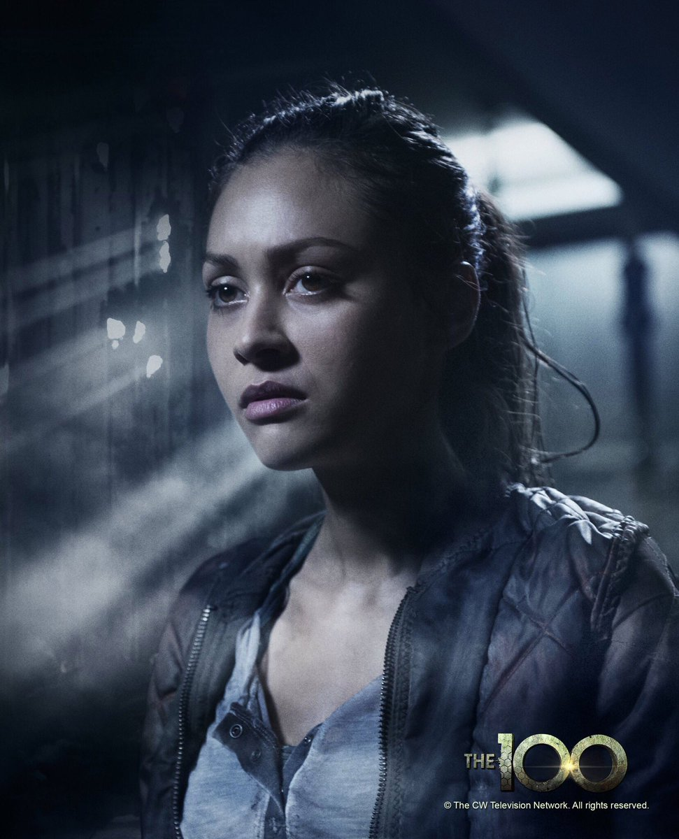 Last, but definitely not least, let's welcome @linzzmorgan from @cwthe100 to #DragonCon2016! https://t.co/JkN1icPNUi