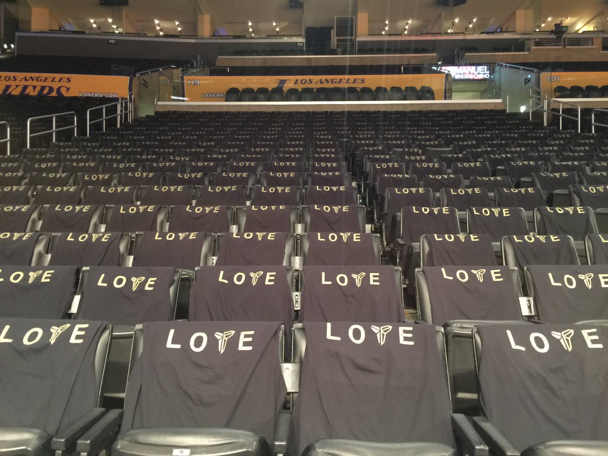The Lakers are giving away Kobe 'Love' shirts for his final game