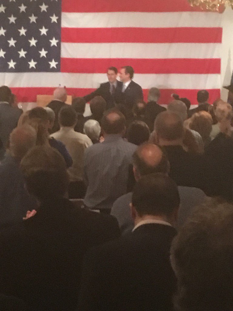 "Standing O for @tedcruz - very pro-Cruz crowd in Milwaukee - intro'ed by Gov Scott  Walker & calls him ""a rock star"" https://t.co/IVZVJntY90"