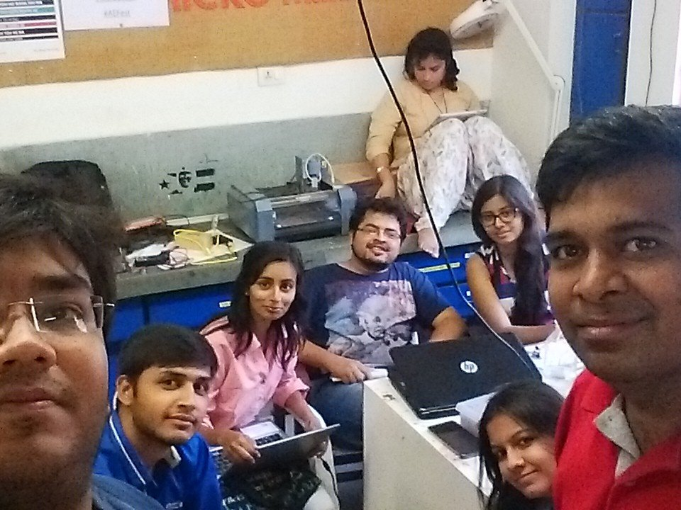 Team Fabathon #GenuinoDay #FablabCEPT #AEFest #Fabathon https://t.co/Y5QcXNTcsN