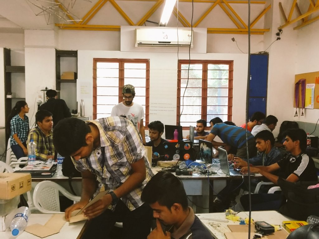 Day 2 IOT fabathon organised by @MakerFestMJFF and @FabLabCEPT. #GenuinoDay #FablabCEPT #AEFest #Fabathon https://t.co/ZDDifLRoP7