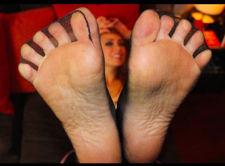 Nylon toe spread