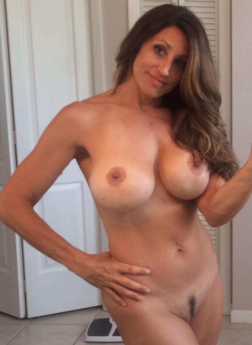 Nude Selfie 4392