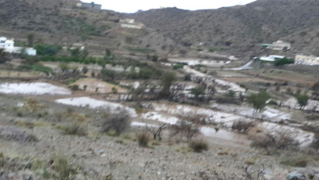 من امطار بني مالك على قري شوقب اليوم السبت 1437/6/24 CfDrM0_WEAYIqcG